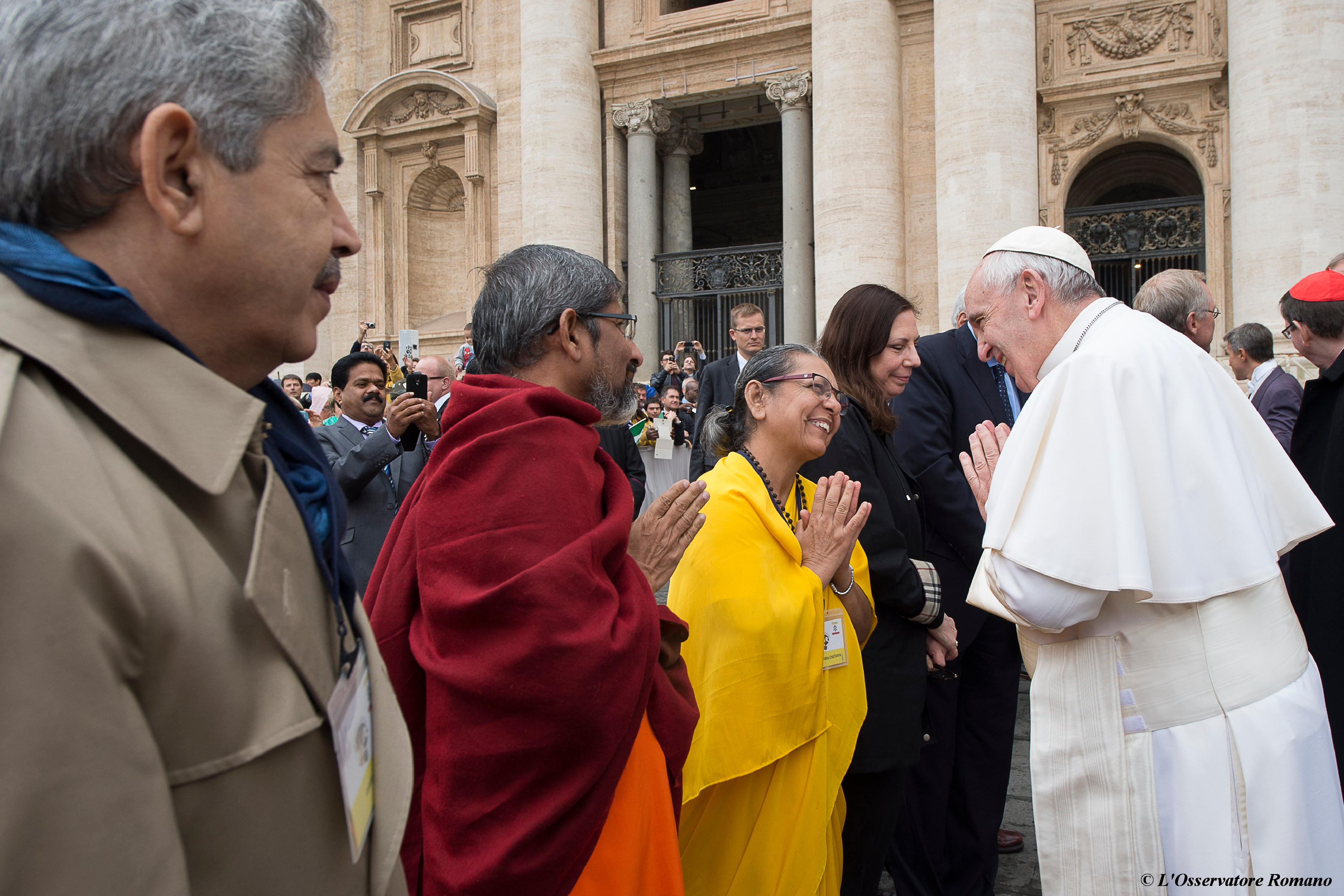 """""""Interreligious"""" General Audience in St. Peter's Square of Wednesday"""