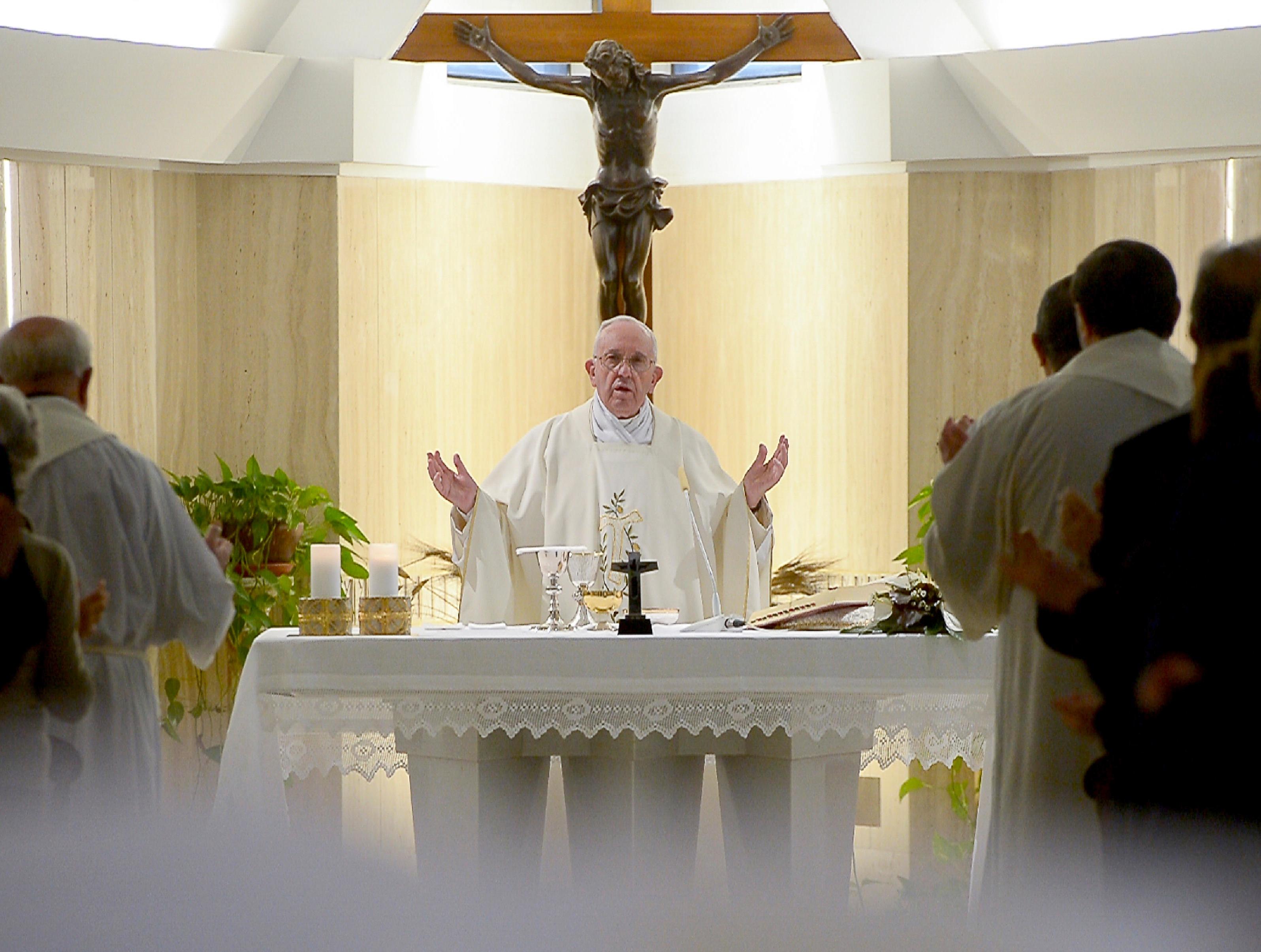 El Papa en Santa Marta - 12 abril 2016