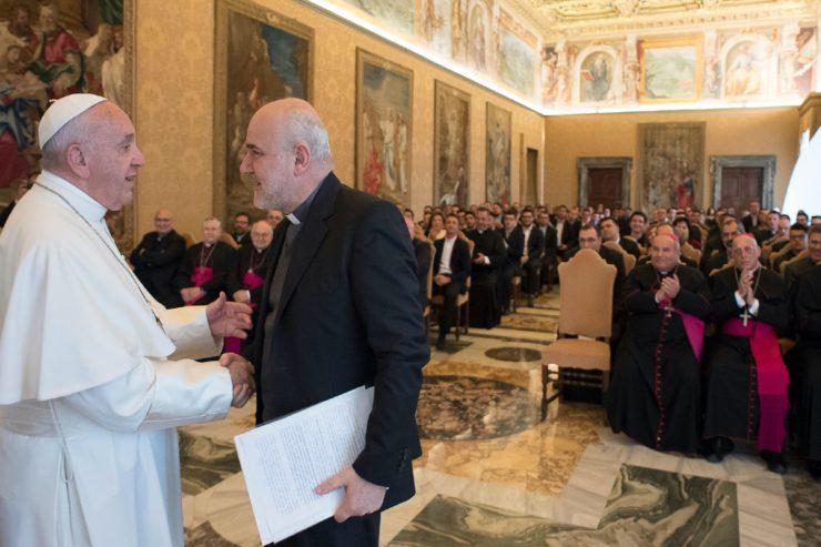 El Papa a los seminaristas de Posillipo (Osservatore © Romano)