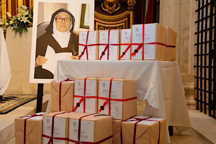 Las cajas lacradas que van a Roma para el proceso de beatificación