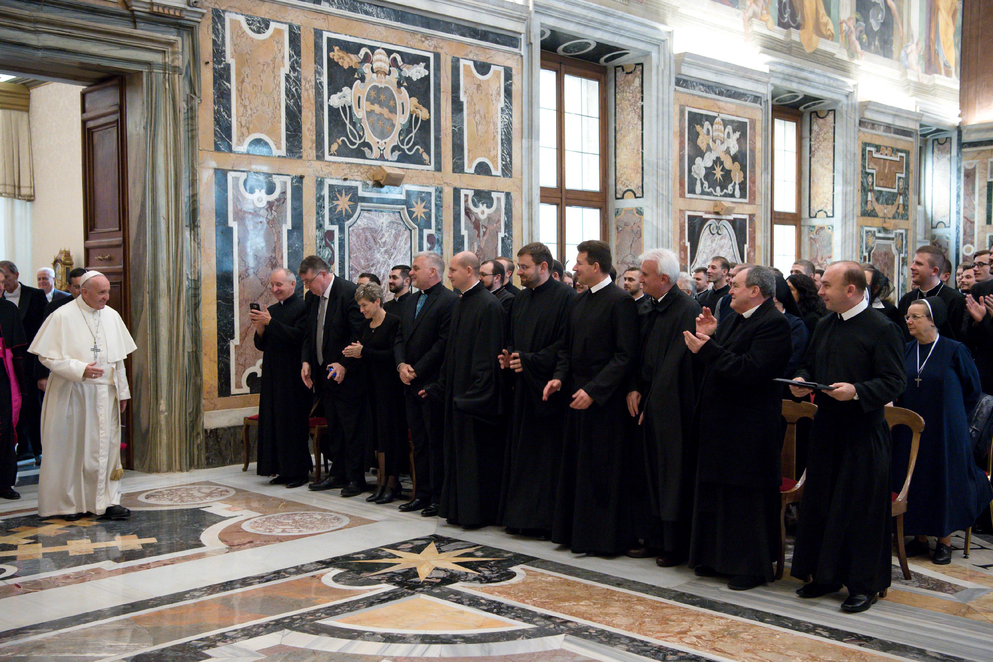 Audiencia del Papa con los miembros del Colegio Ucraniano © L´Osservatore Romano