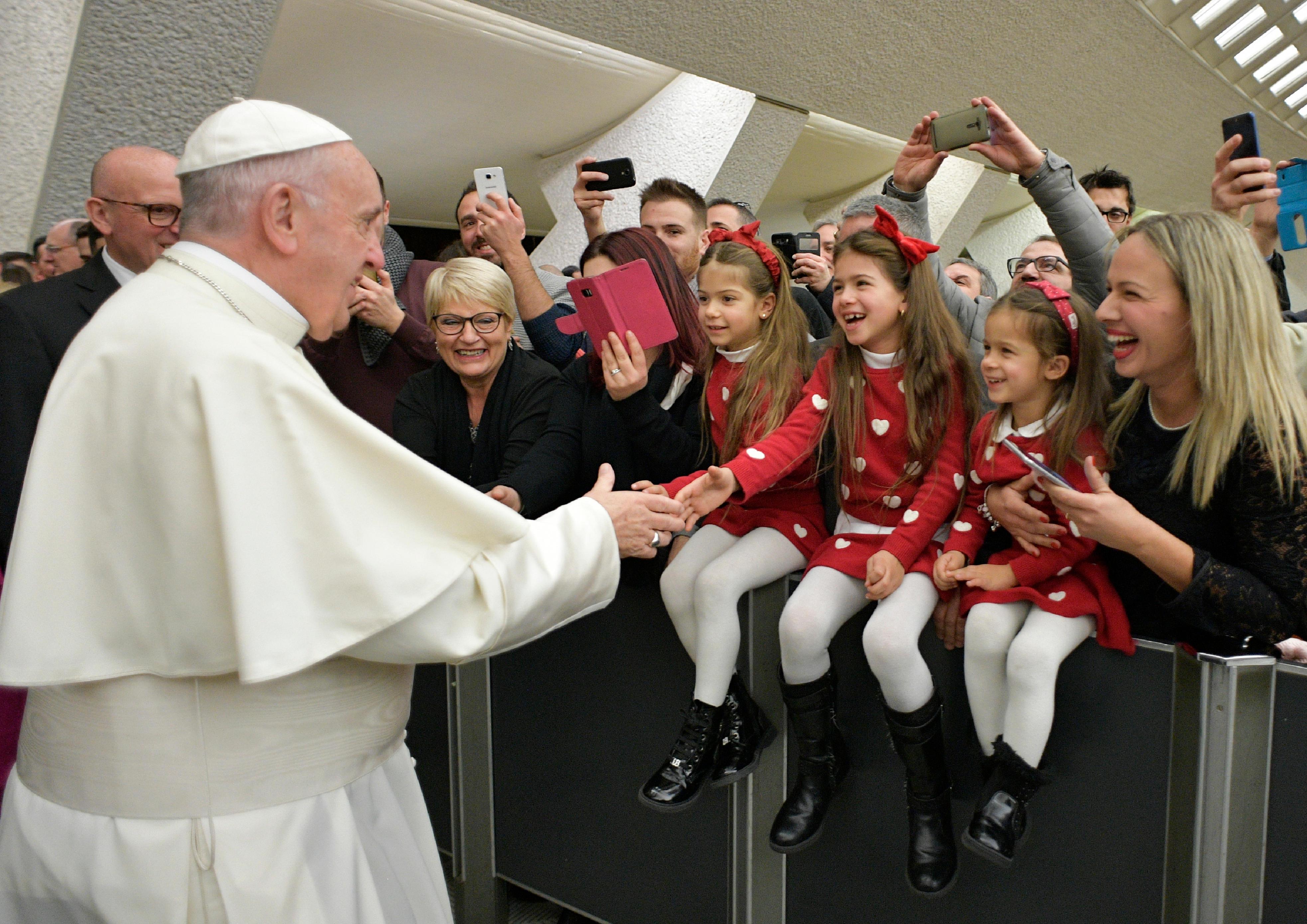 El Papa felicita la Navidad a los trabajadores del Vaticano y a sus familiares © L'Osservatore Romano