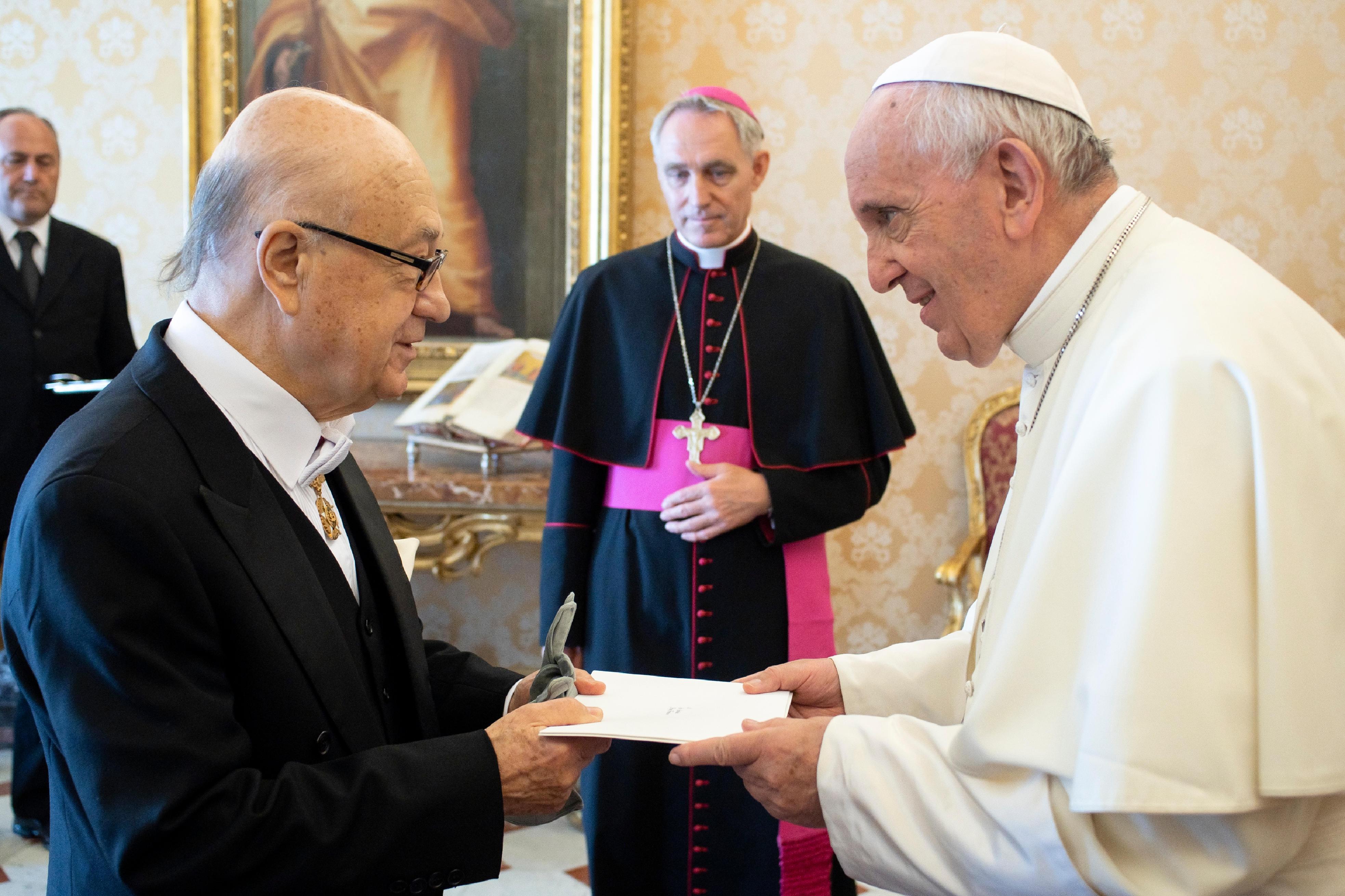 El nuevo embajador de Chile entrega sus cartas credenciales al Papa © Vatican Media
