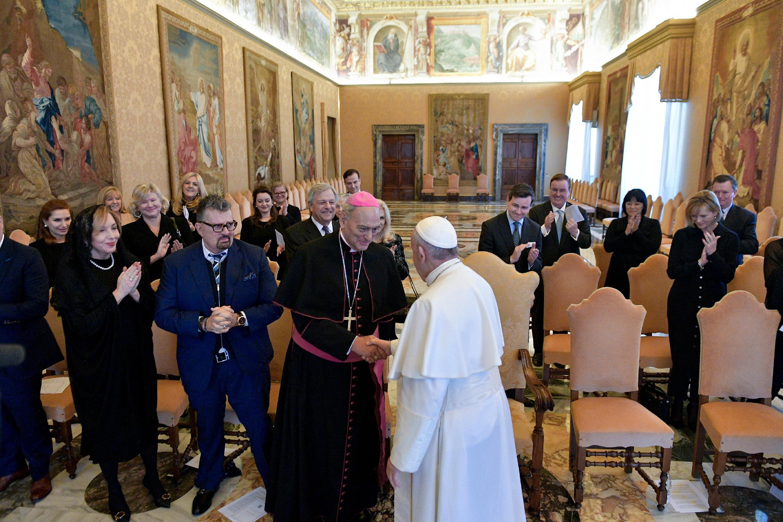 Audiencia con miembros de la Fundación Galileo © Vatican Media