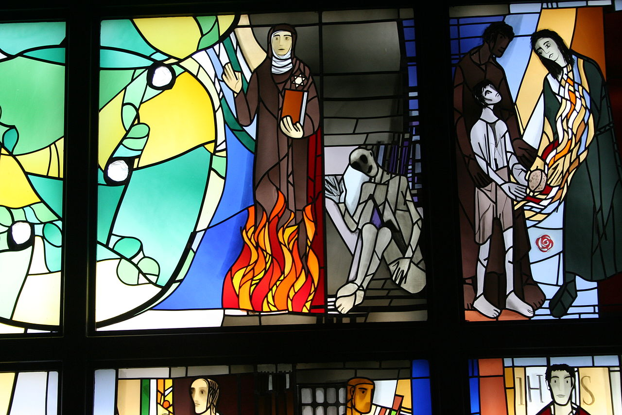 Stained glass window depicting Edith Stein and Maximilian Kolbe