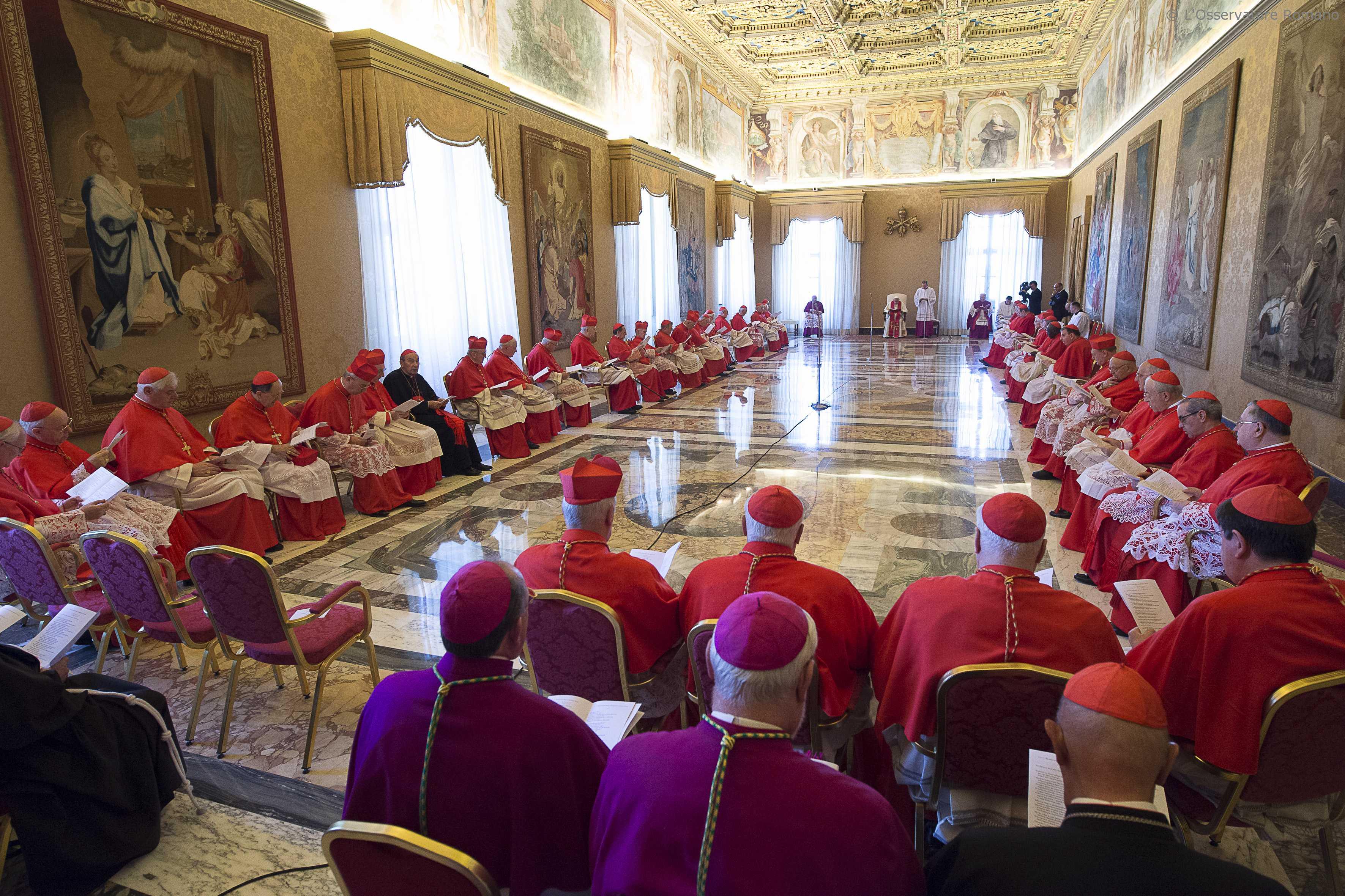 Consistorio en el Palacio Apostólico (Osservatore © Romano)