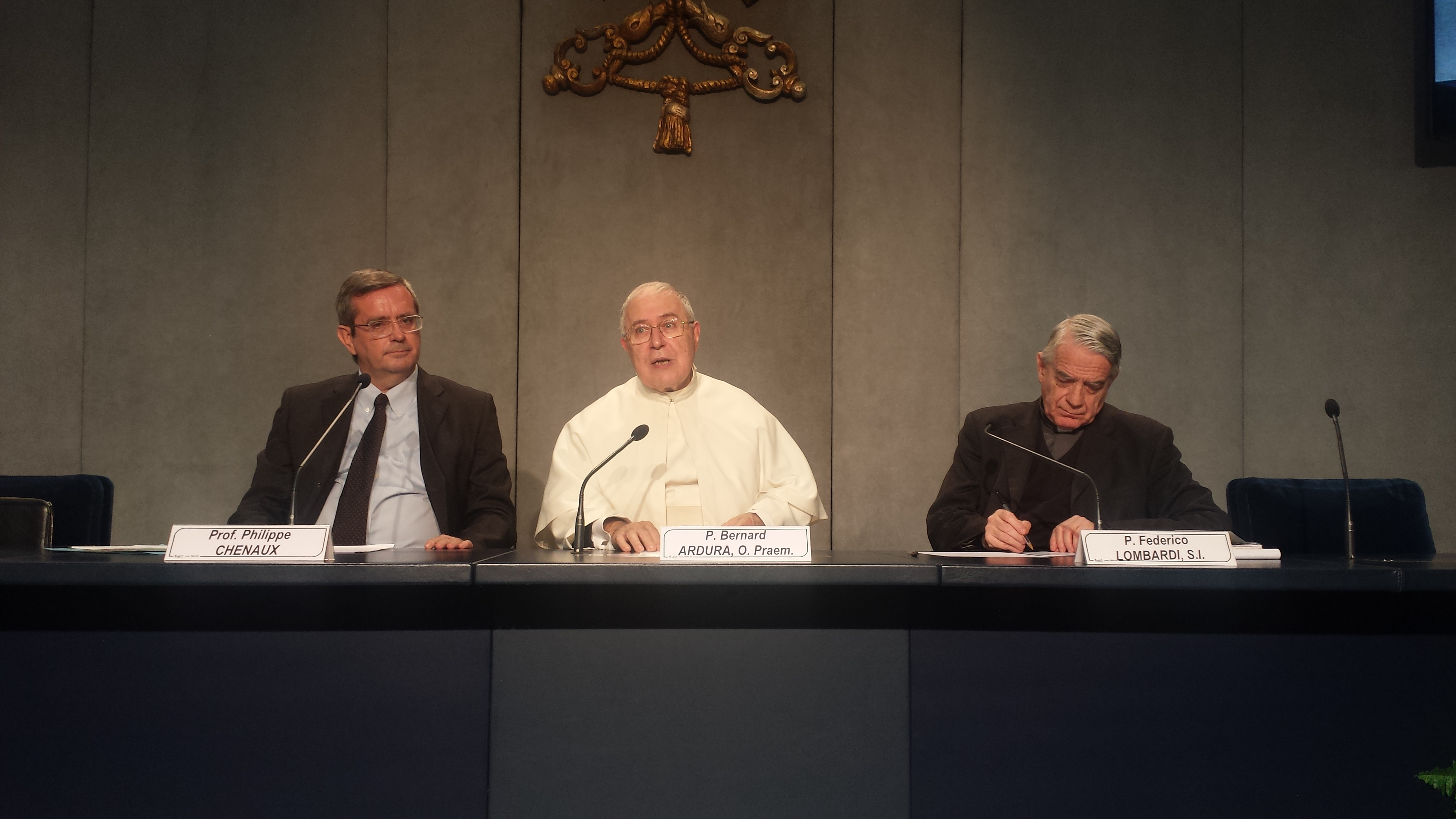 Press conference about Vatican II congress