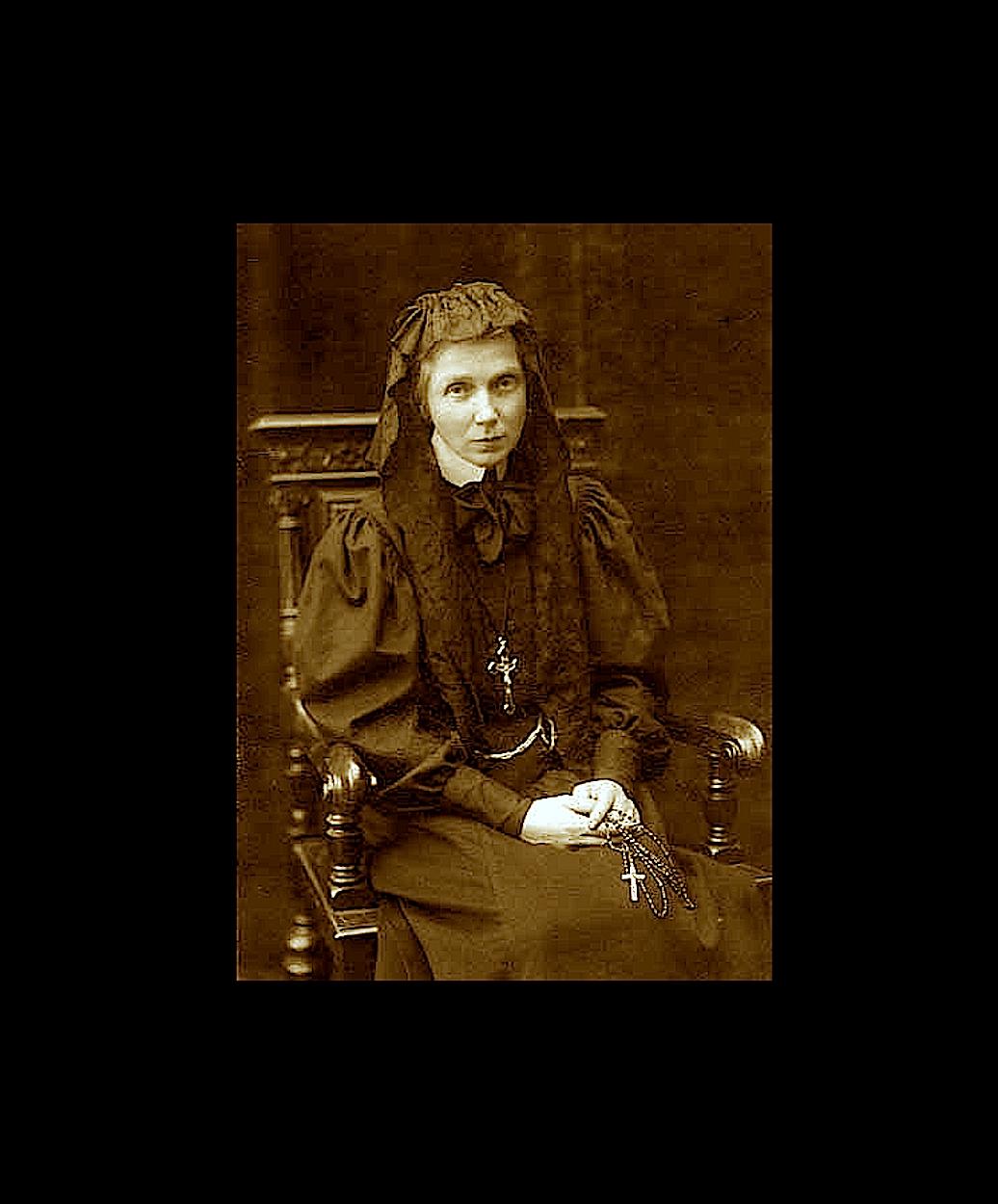 Ursula Leduhovskaya in St. Petersburg