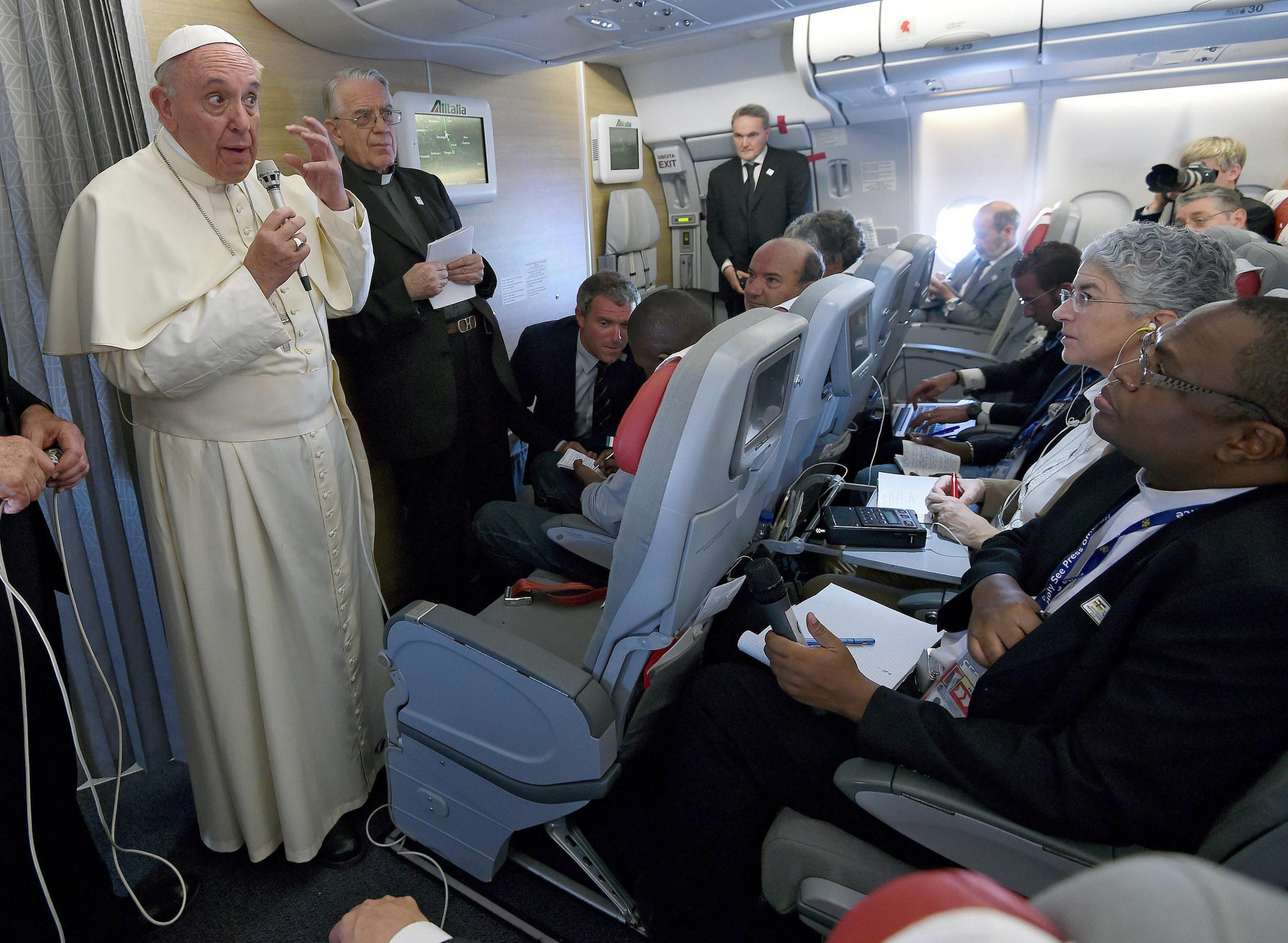 Pope Francis' homeflight from Bangui to Rome