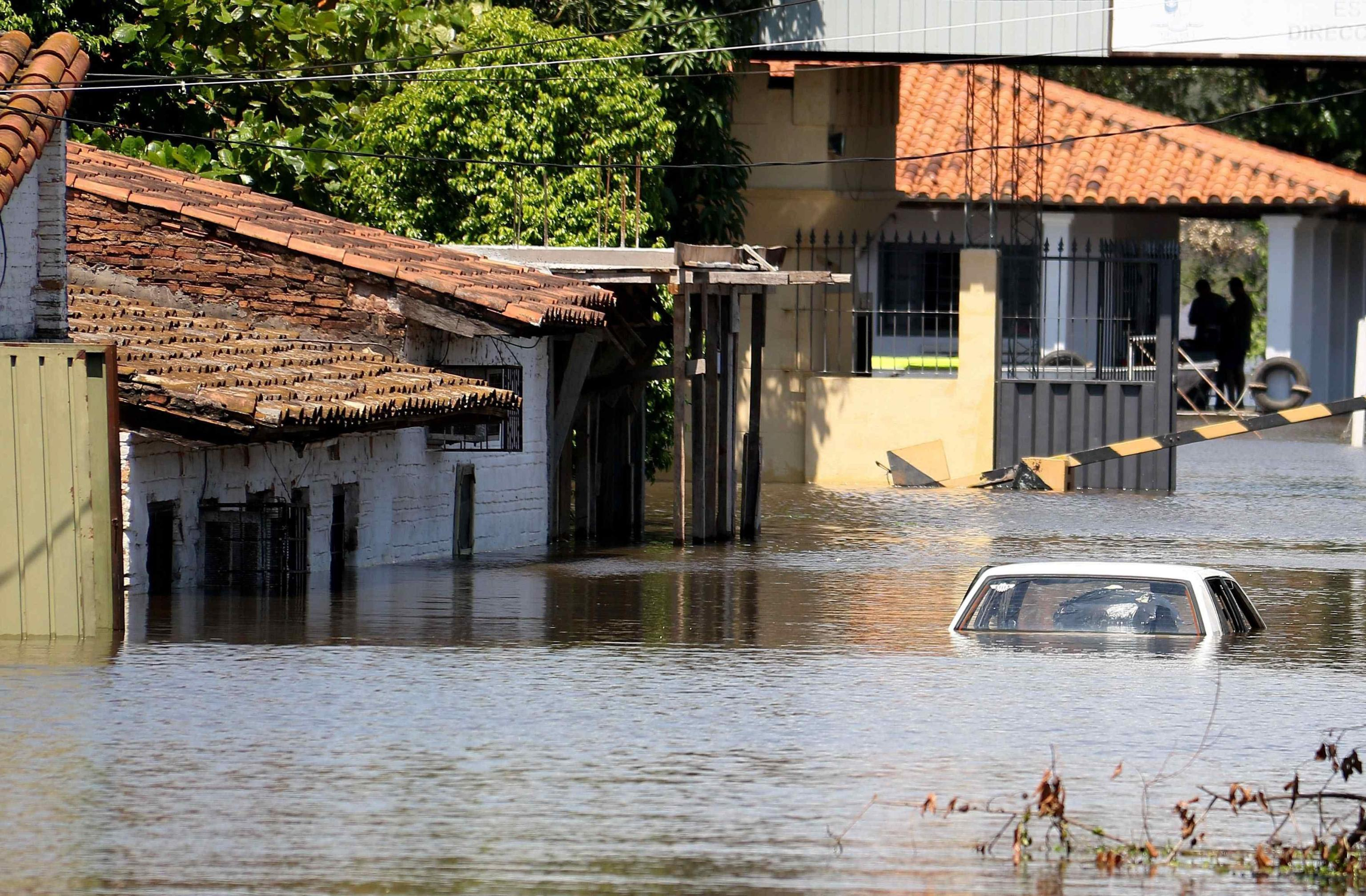General view of a flooded neighborhood in Asuncion