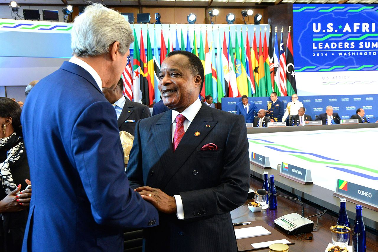Nguesso meeting John Kerry at the United States–Africa Leaders Summit