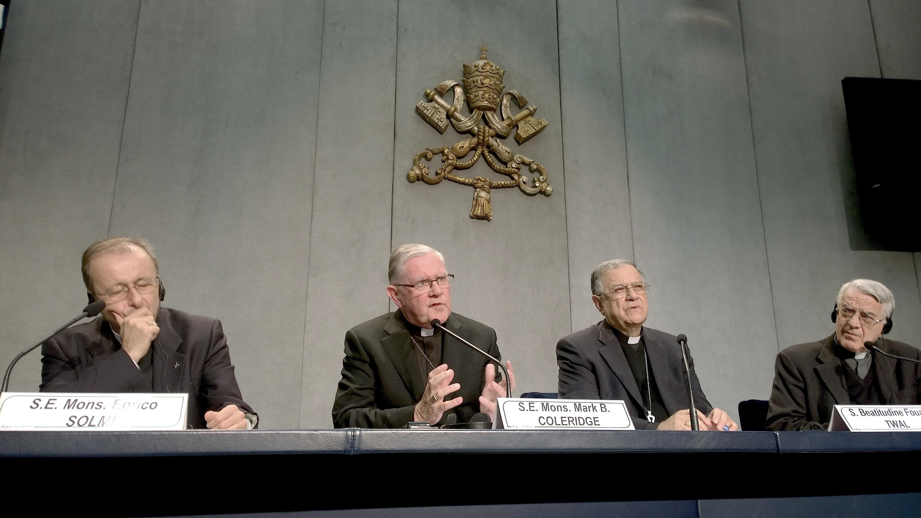 Mons. Mark Coleridge - briefing 19 Oct. 2015