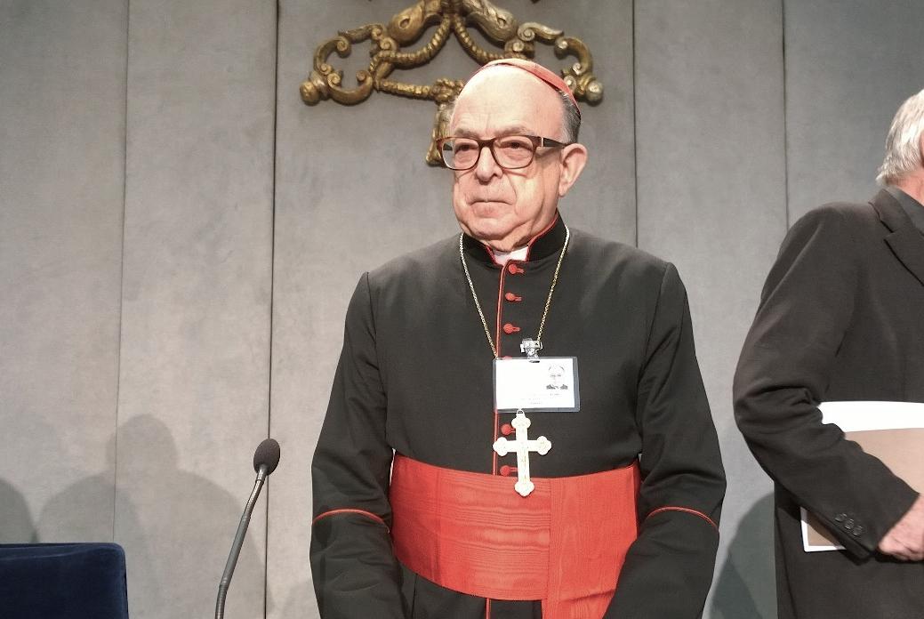 Cardinal Raymundo Damasceno in the press office of the Vatican
