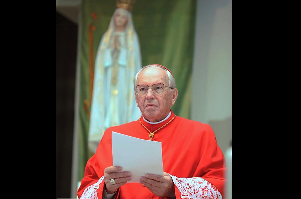Cardinal Re at Fatima sanctuary - 13 October 2015