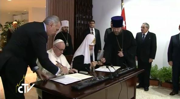 Firma de la declaración conjunta en La Habana