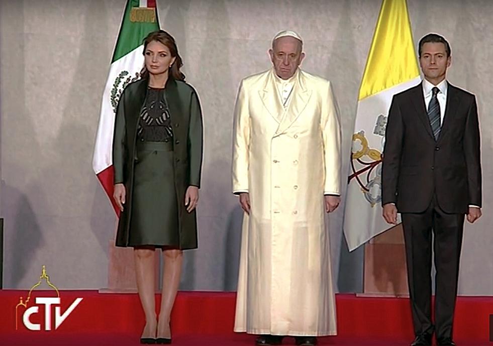 Papa visita el Palacio Presidencial