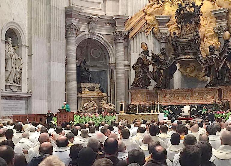 El santo padre durante su homilía en el Altar de la Confesión