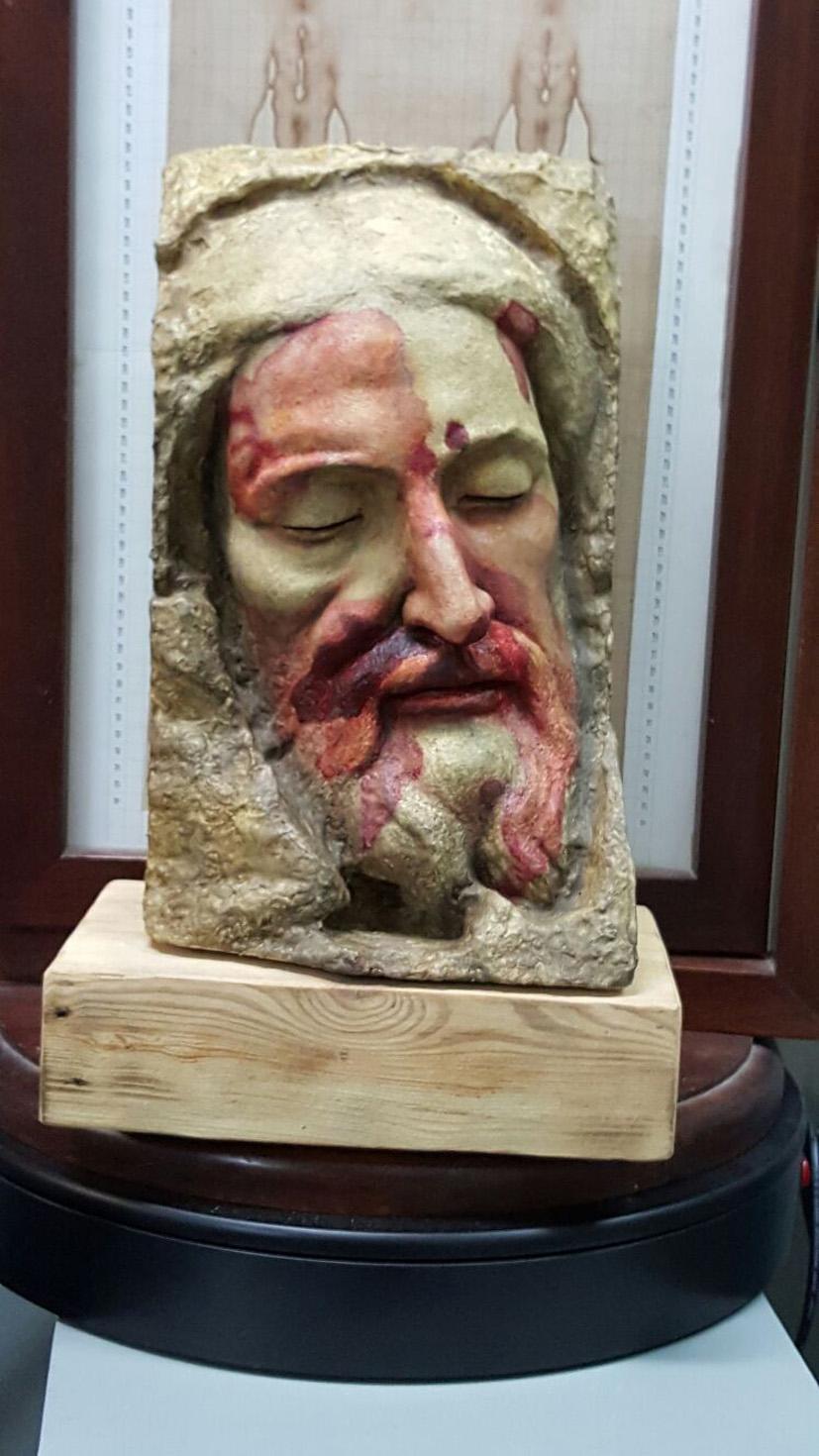 Busto que reproduce el rostro de la Sábana Santa