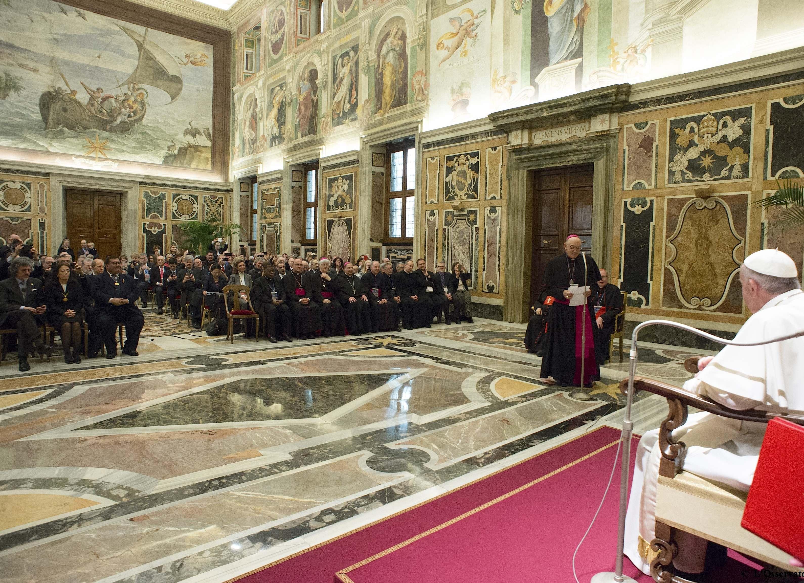 El Papa con la Academia por la vida