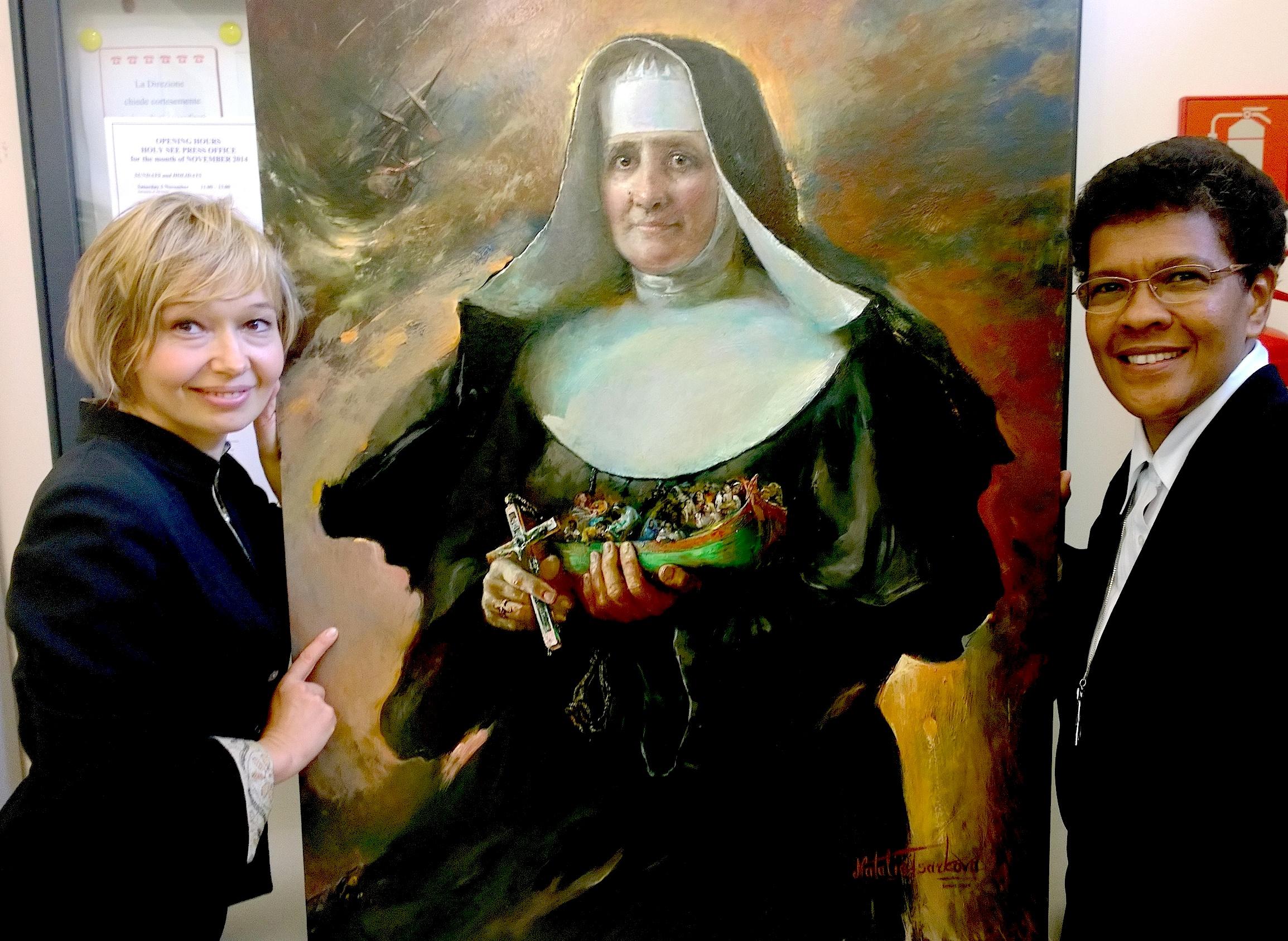 La escalabriniana sor Neusa de Fátima, junto a la pintora del cuadro de la beata Marchetti, Natasha Tsarkova