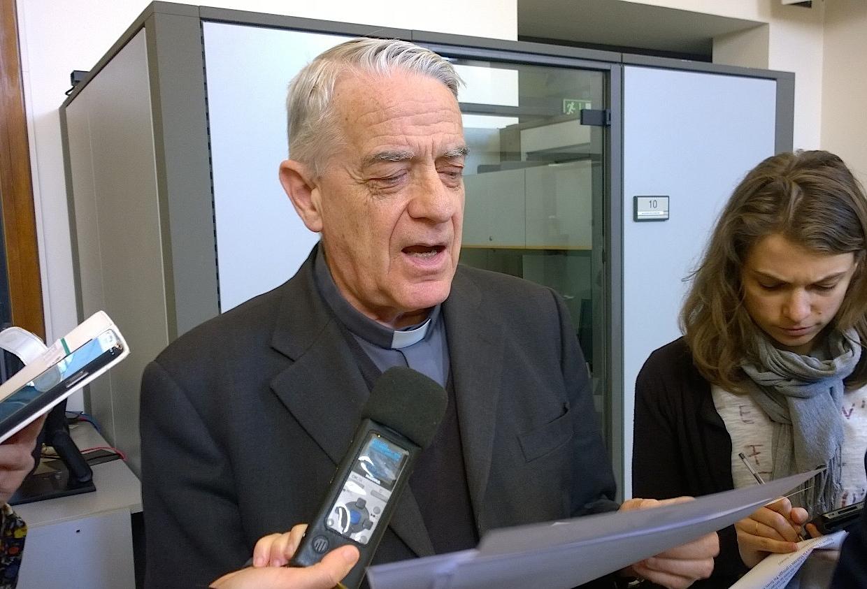El portavoz Lombardi en la rueda de prensa anuncia el viaje pastoral de Francisco a Polonia (Foto ZENIT)