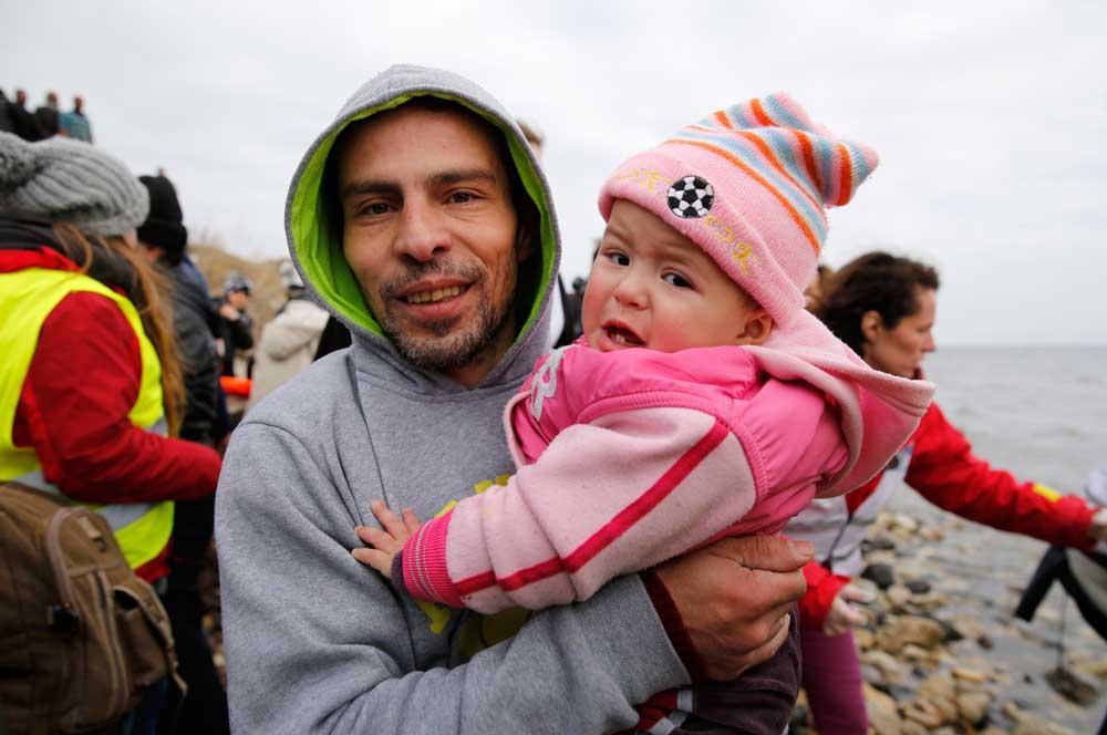 Inmigrantes llegan a Lesbos (Foto- Darrin Zammit Lupi : JRS Europa - 26 de enero 2016)