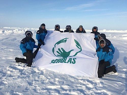 Expedicionarios de la Fundación Criteria, con el apoyo de Scholas, en el Polo (Foto T. Heinrich)