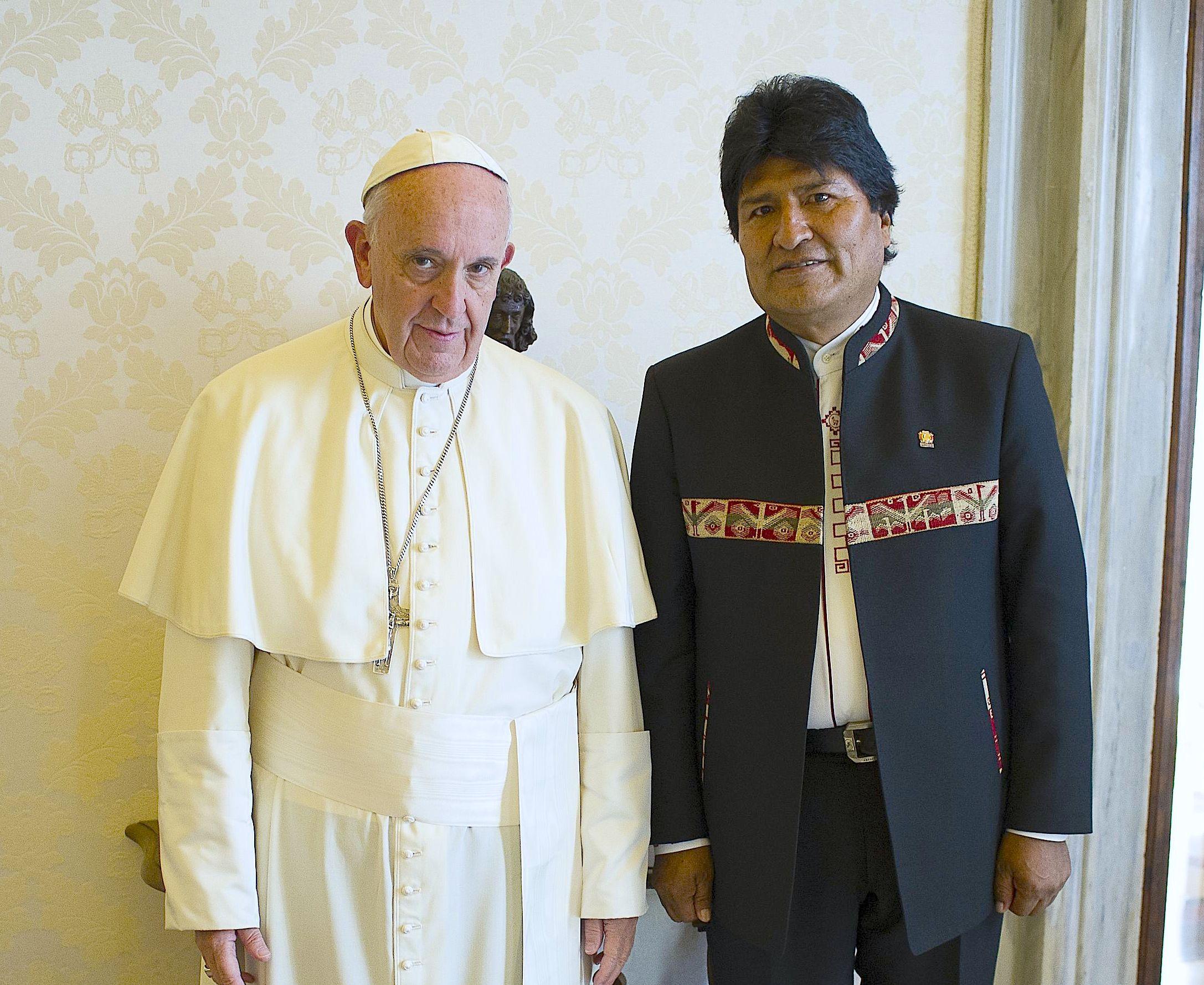 El papa Francisco con el presidente Evo Morales, el 15 de abril de 2016