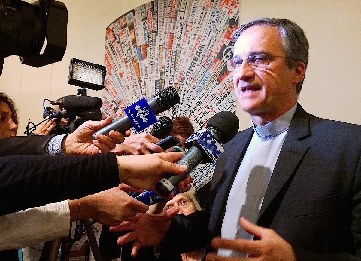 Mons. Vigano en la Stampa estera