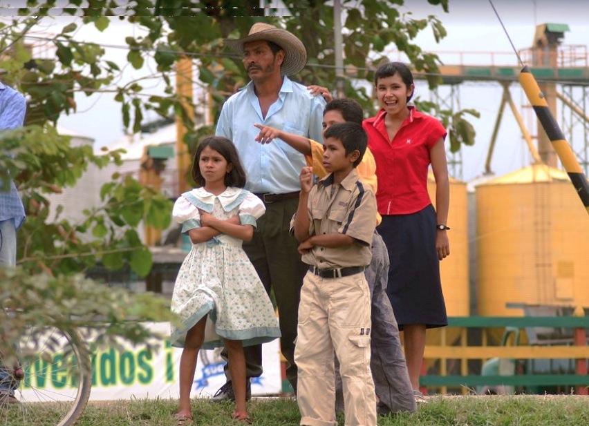 familia en Colombia (Pixaball PD codigodinamico87)