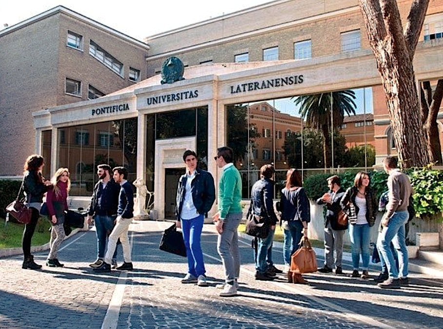 Universidad lateranense