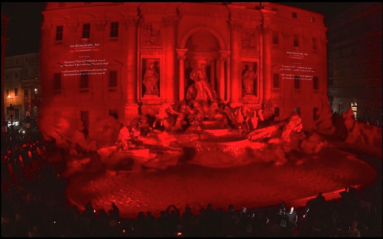 La Fontana de Trevi teñida de rojo