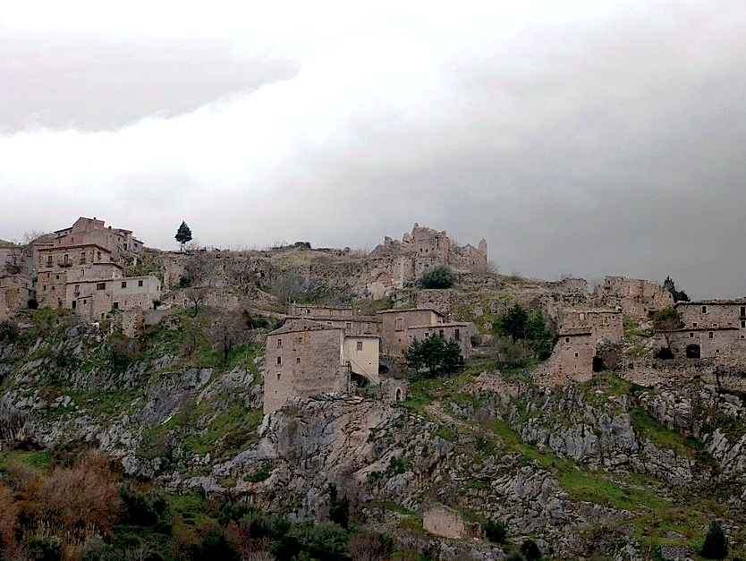 El pueblo de Pescosansonesco Vecchio, donde nació el beato (Wiki commons - Pietro)