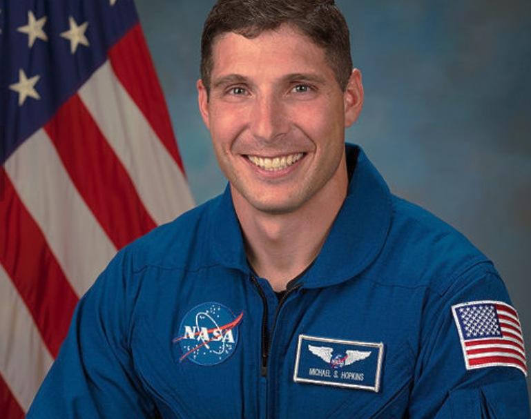 El coronel y astronauta Michael S. Hopkins