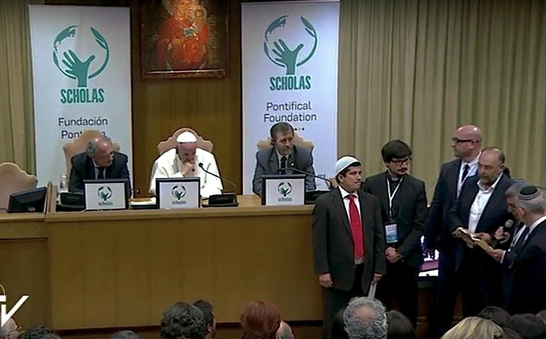 Scholas, oración interreligiosa durante el acto de cierre del IV Congreso