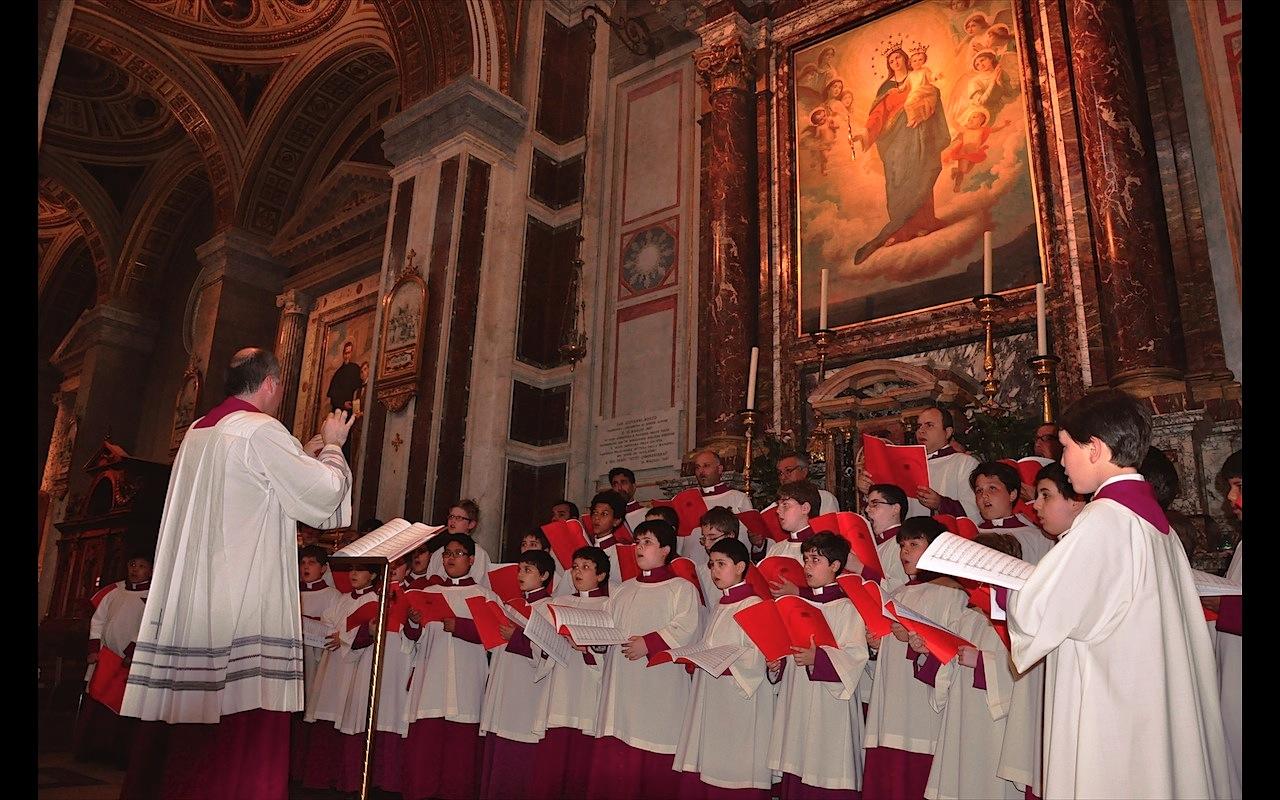 El Coro Pontificio de la Capilla Sixtina canta a los pies de María Auxiliadora (Foto ZENIT cc)
