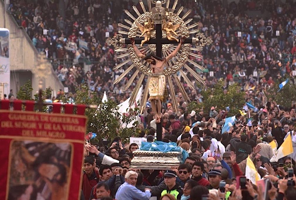 Procesión durante el Congreso Eucaristico Nacional (Foto ZENIT cc - Pilar Paz)