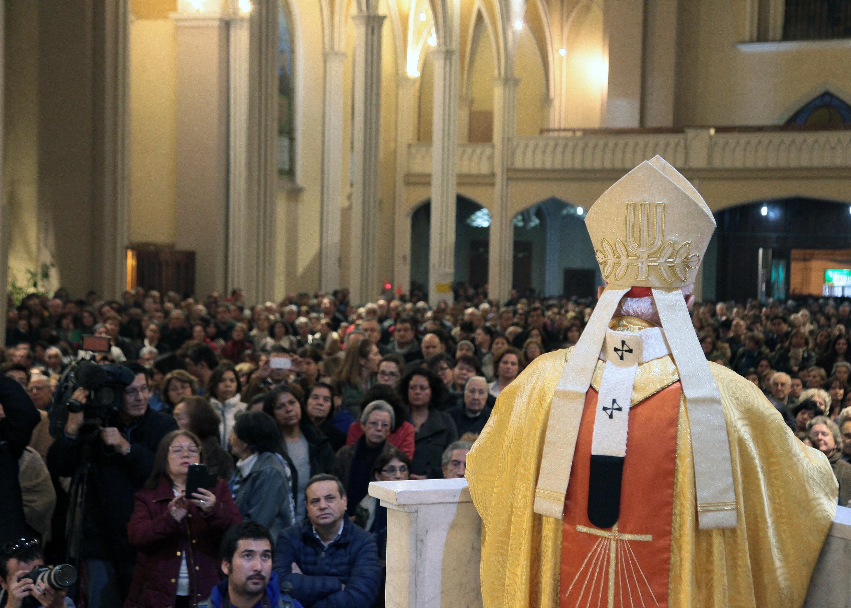 El cardenal hace su homilía durante la misa de desagravio (foto Iglesia.cl)