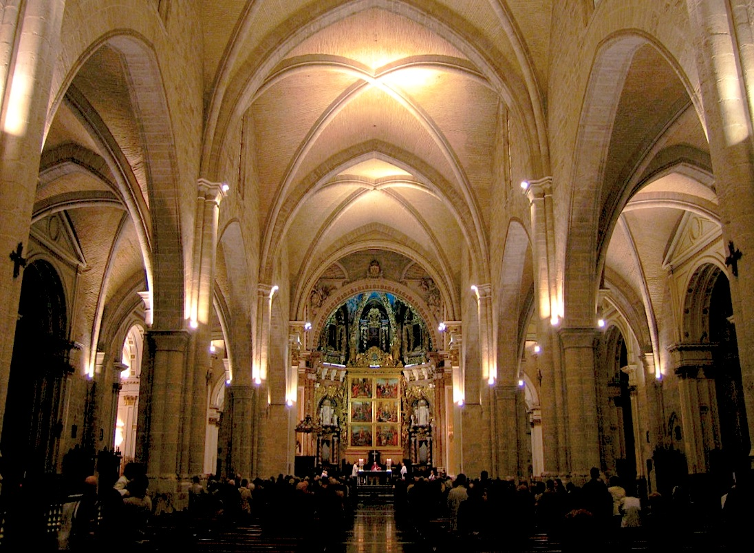 Catedral de Valencia, nave central (Foto pd Felivet, wikicommons)