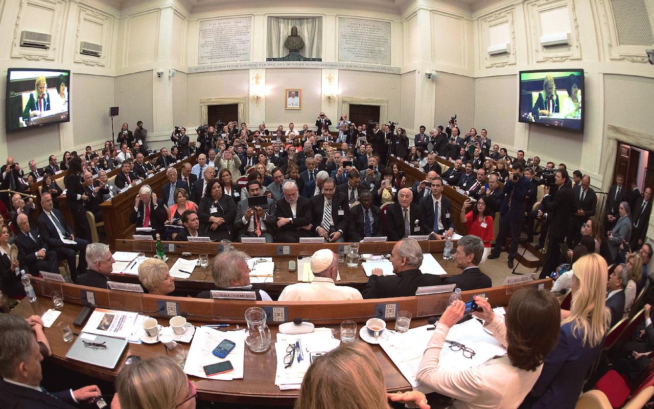 El Papa en la cumbre de jueces en la Academia Pontificia de las Ciencias Sociales