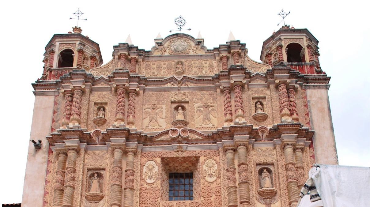 Iglesia de Santo Domingo - San Cristobal de las Casas -(Foto cc Alejandro Linares Garcia - Wiki cominos(