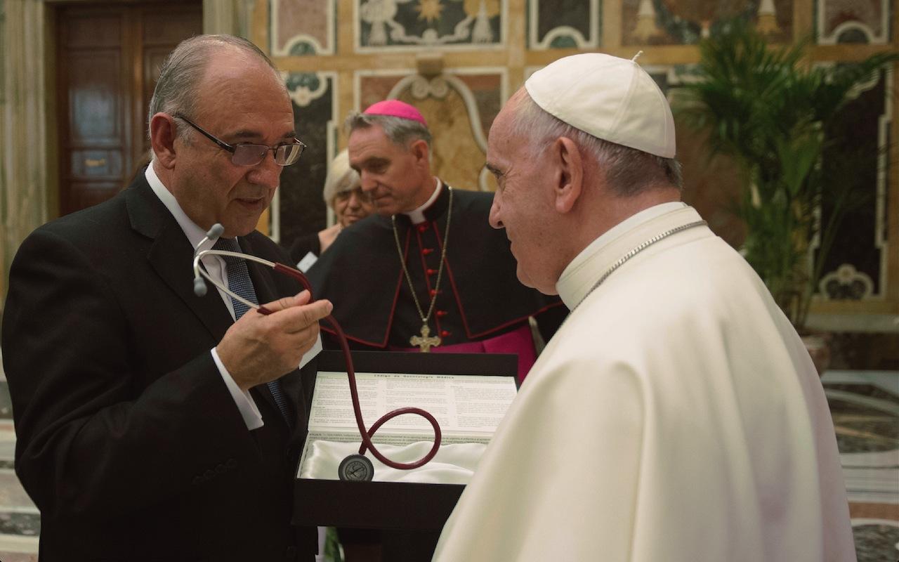 Médicos españoles y latinoamericanos con el papa Francisco