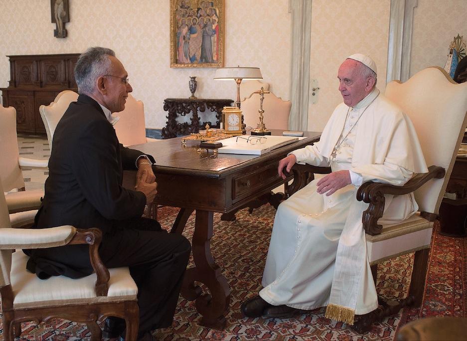 El Papa con el embajador Jorge Quesada Concepción en audiencia privada