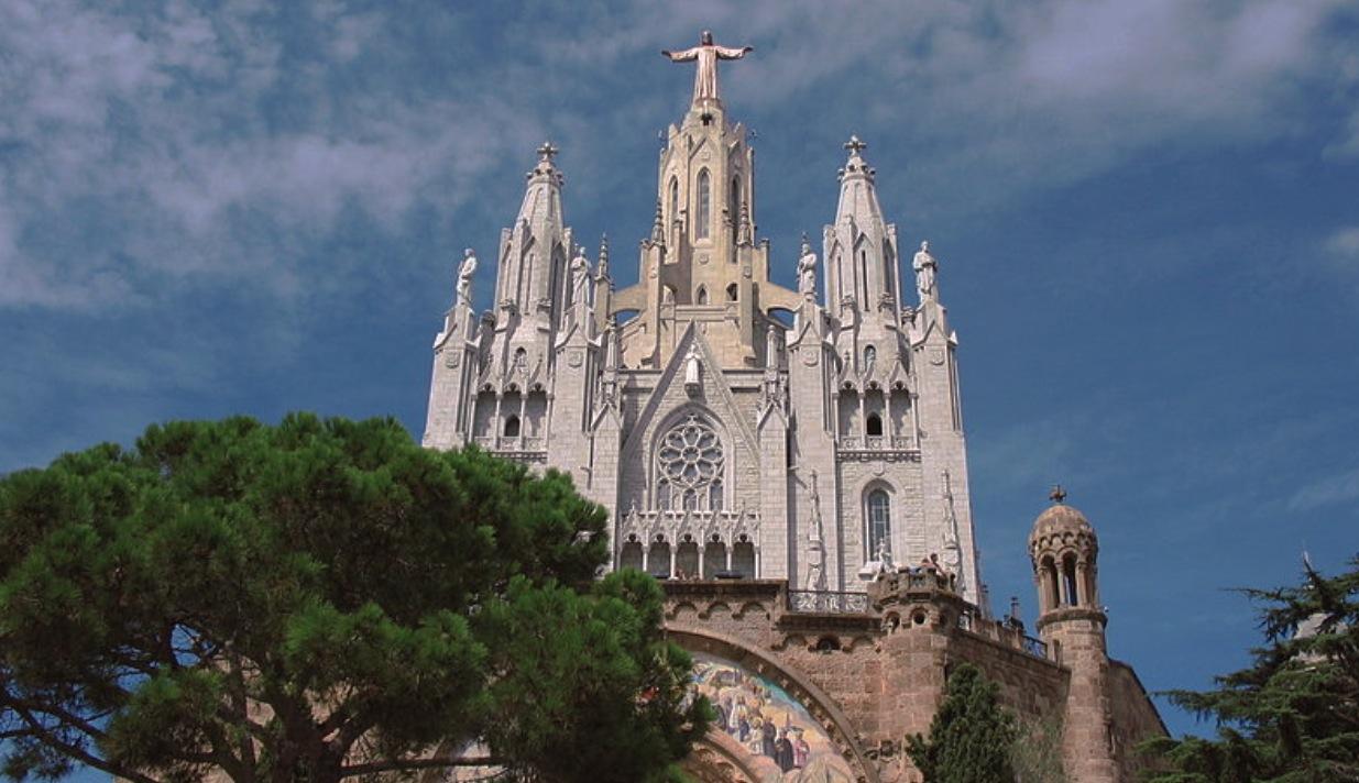 El templo del Sagrado Corazón de Jesús en el monte Tibidabo (Ruby1980 at English Wikipedia pd)