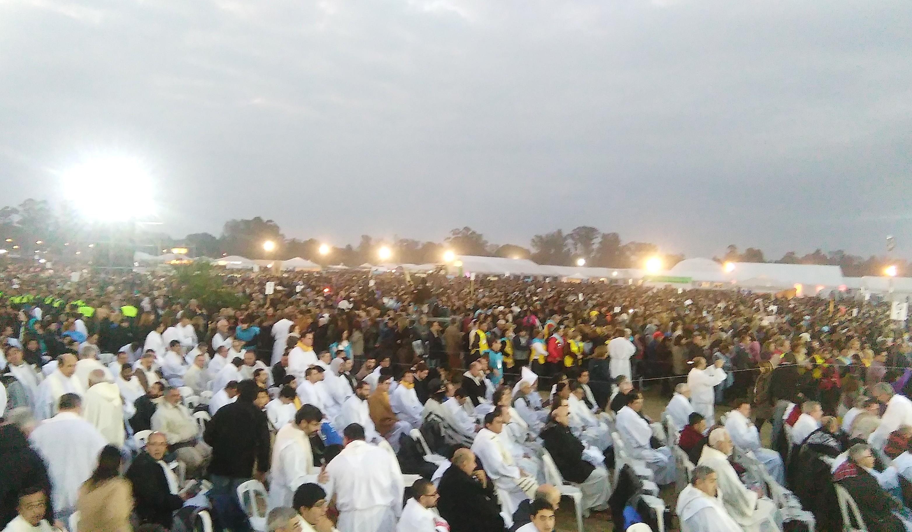 Misa del segundo día del Congreso Eucaristico en Tucumán (Foto ZENIT cc - Pilar Paz)