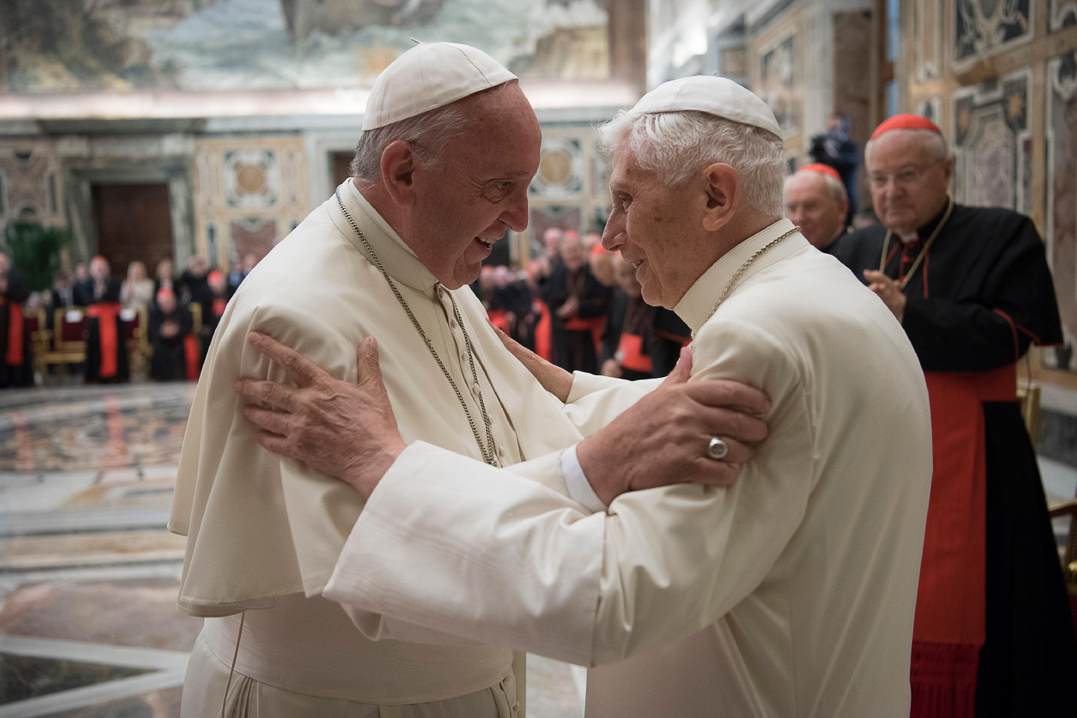 El papa Francisco y Benedicto XVI - (Foto © Osservatore Romano)