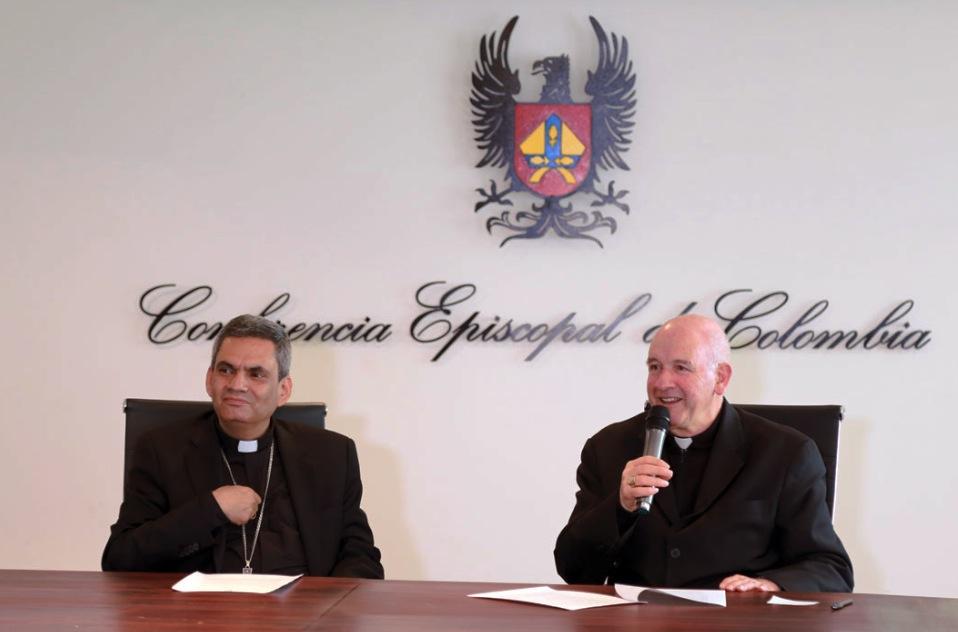 Conferencia episcopal de Colombia, en la rueda de prensa al concluir la Plenaria de 2016 (Foto CEC)Conferencia episcopal de Colombia, en la rueda de prensa al concluir la Plenaria de 2016 (Foto CEC)