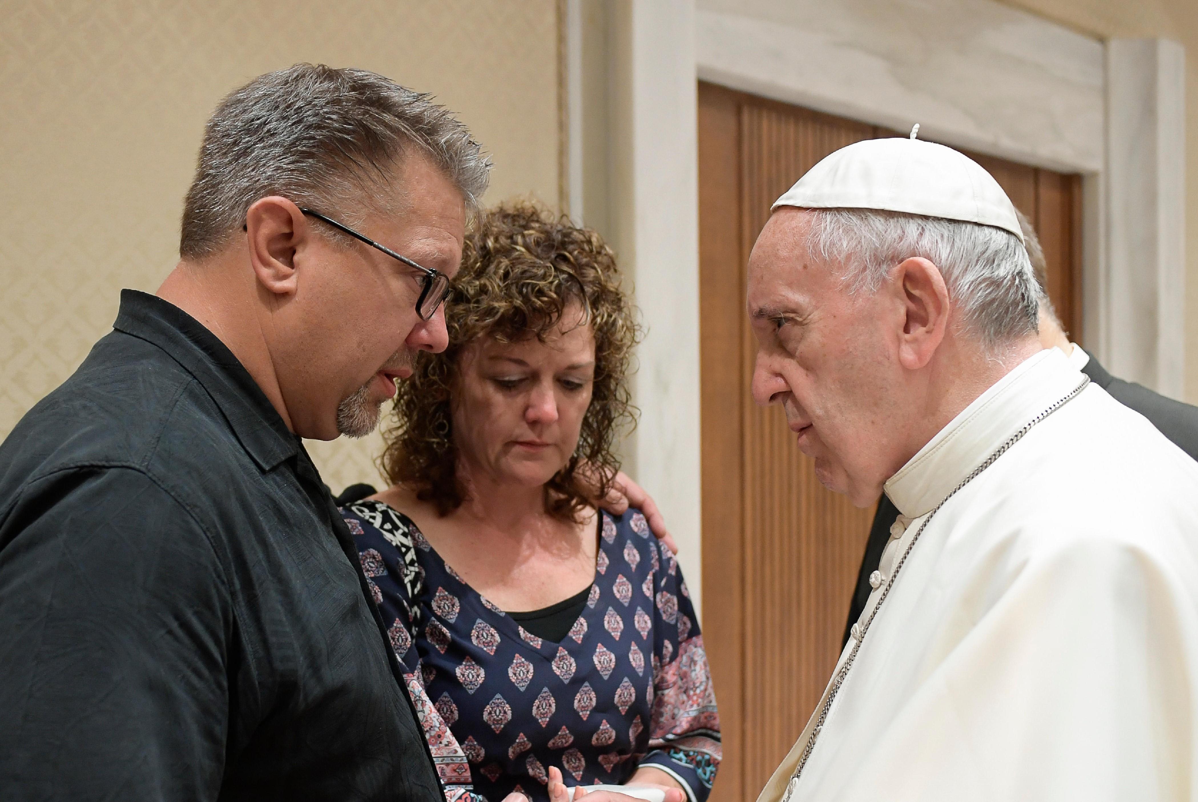 Papa con la familia Salomin