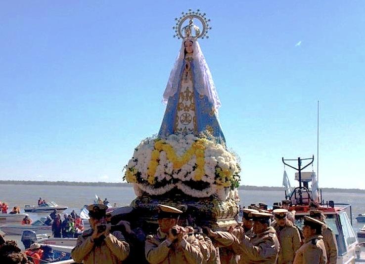 Procesión náutica en el santuario de la Virgen de Itatí