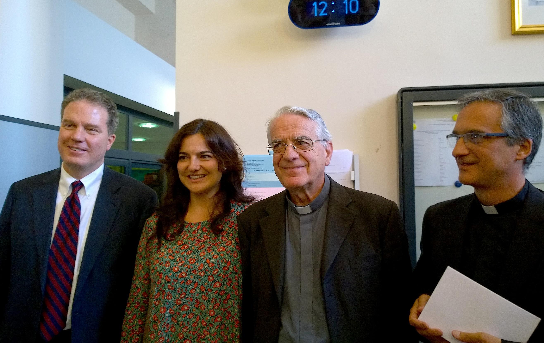 Greg Burk, Paloma Ovejero, padre Federico Lombardi, Mon. Viganó (Foto ZENIT cc)